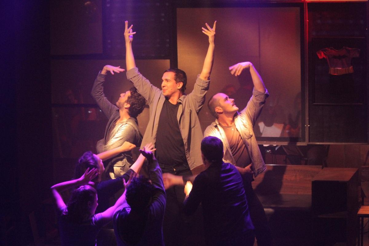 """Premiado musical """"Lembro Todo Dia de Você"""" tem nova temporada no Teatro do Núcleo Experimental em março"""